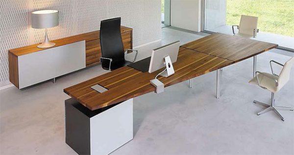Exklusiver Schreibtisch, Trapezform