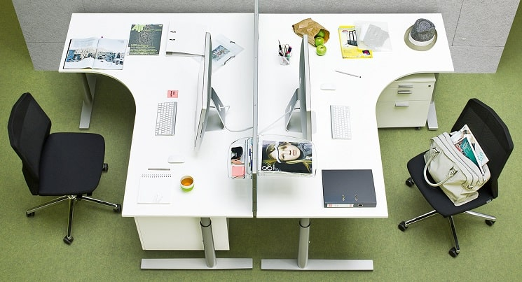 foxx-m Schreibtischsystem mit Rundrohr und Freiformplatte