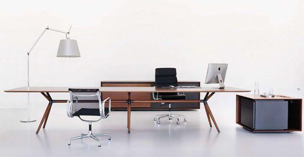 Managementbüro X2 mit Massivholzgestell